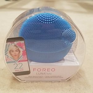 💦NEW Foreo Luna facial cleaning brush